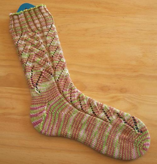 Sock Knitting Pattern : Banana Blossom Socks ? Knitting Bee