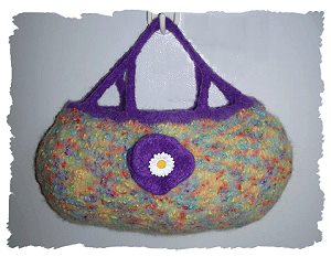 Felted Bag with flower knitting pattern - Knitting Patterns