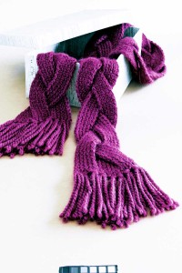 Free Knitting Pattern For Twisted Scarf : FIND FREE KNITTING PATTERNS FREE PATTERNS