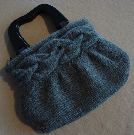 Knitted Bags Free Patterns : Find the free pattern here: link
