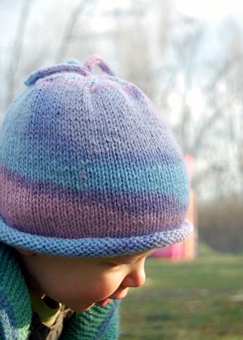 Free Pattern: Knitted Newborn Beanie | The Piper's Girls