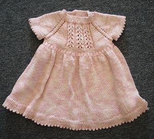 Baby Dress Free Knitting Pattern : FREE BABY DRESS KNITTING PATTERN Lena Patterns
