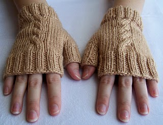 cabled-fingerless-mitts