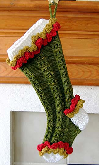 Where to find free Christmas stocking patterns - by Linda Ann