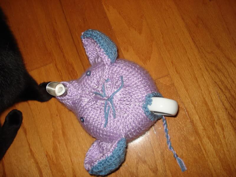 Elephant Tea Cozy Pattern ⋆ Knitting Bee