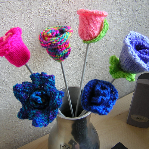 Adrian's Embellishments: Knit Flower Pattern -