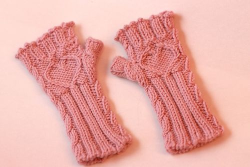 Fingerless Gloves Knitting Pattern For Toddlers : Knitted Fingerless Glove Pattern
