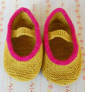 Chunky Slippers Pattern - Knitting Patterns and Crochet Patterns