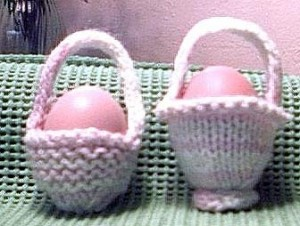 Over 50 free easter knitting patterns knitting bee one egg easter basket knitting pattern designed by vivian keys find negle Gallery