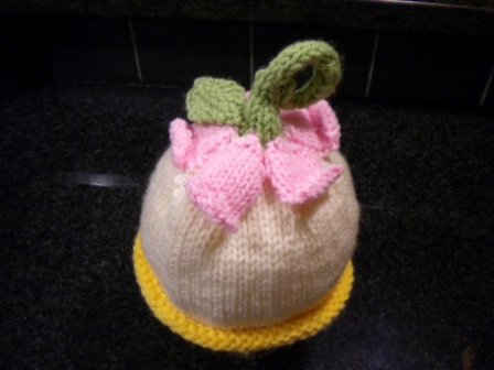 Upsidedown Flower Hat Knitting Bee