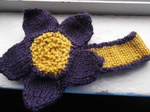 Toddler Flower Headband Knitting Bee