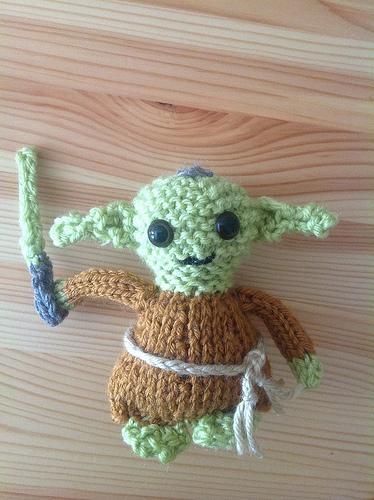 knitted yoda pattern