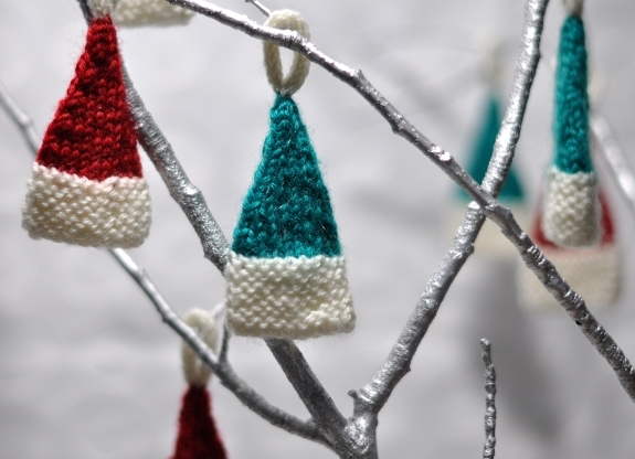 christmas hat knitting pattern for tree ornament