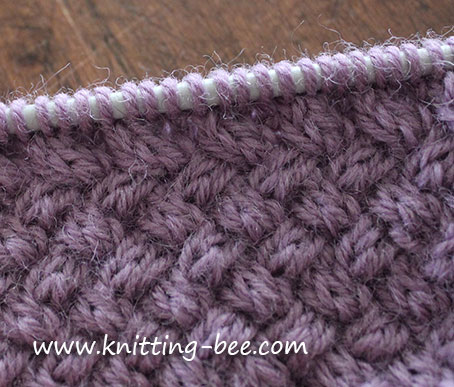 Small diagonal cable basketweave knitting stitch patttern. This stitch