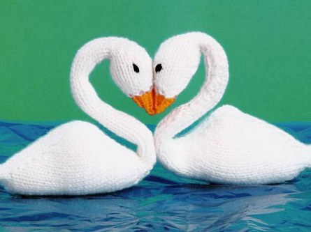 knitted swans pattern