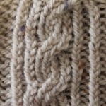 Enclosed Ribbed Rope Cable Stitch