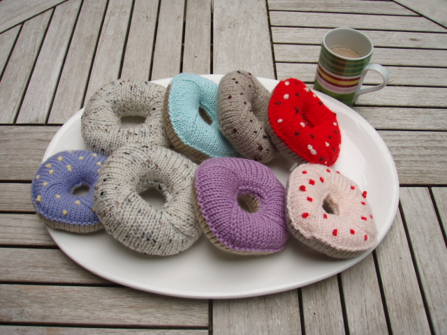 knitted bagel