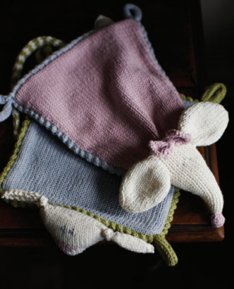 Mouse and Flying Fox Comforter Knitting Pattern