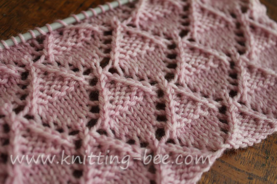 Lace-Stitch-knitting-Stockinette-and-Garter-Diamonds-1