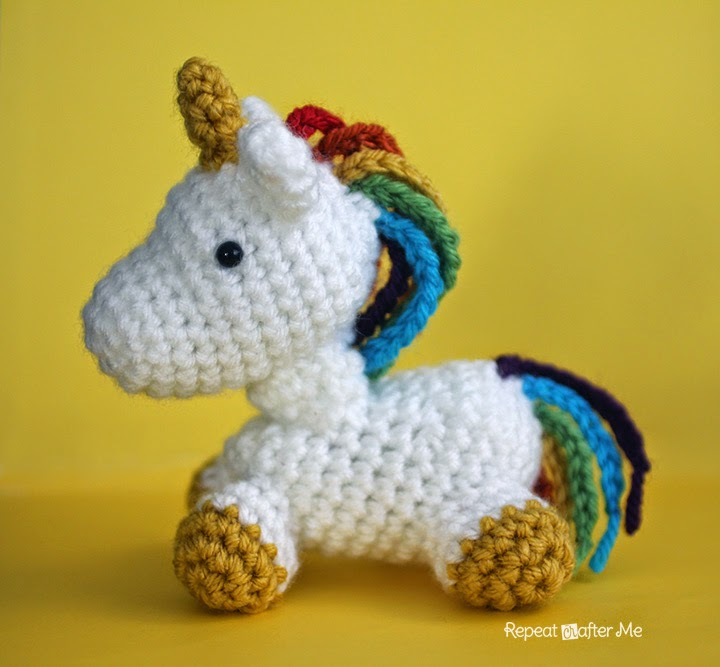 Crochet Unicorn Amigurumi ? Knitting Bee