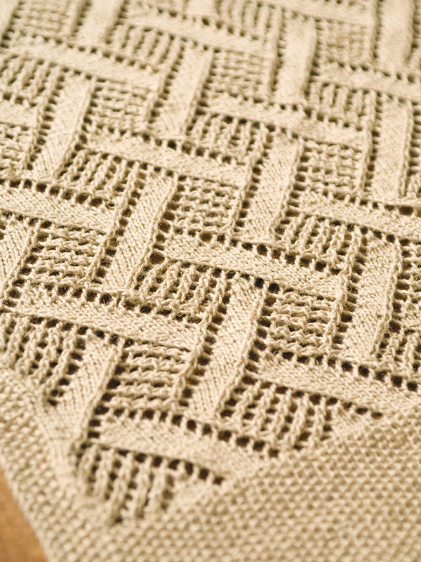 knitting Diamond Pattern table  pattern Montague Lace runner