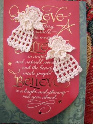 Tiny Christmas Angel, a free crochet pattern
