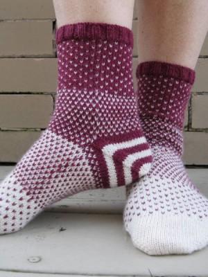 Disappearing Act socks free knitting pattern