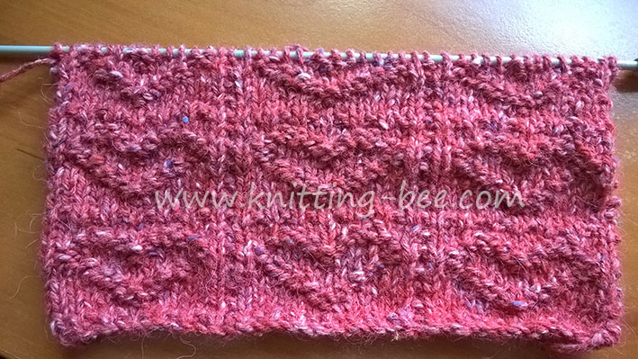 free-knitting-stitch-textured-hearts-by-knitting-bee