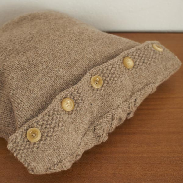 Free Bobble and Waves Throw and Cushion knitting pattern `