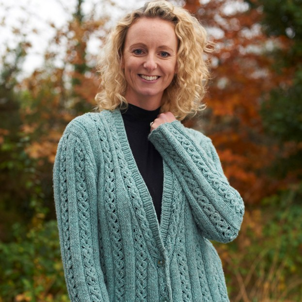 Margot Long Cable Jacket knitting pattern free ⋆ Knitting Bee