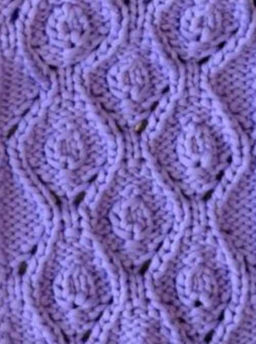 Diamonds and buds knitting stitch design