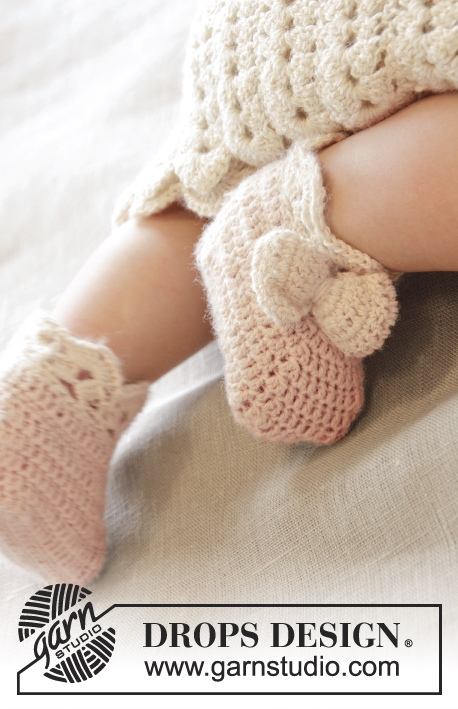 Crochet DROPS slippers pattern for baby