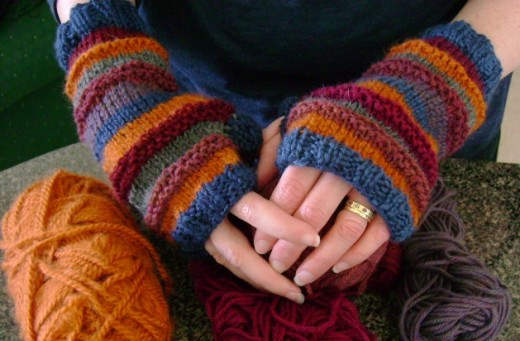 Free Knitting Pattern For Stash O Motastic Fingerless Mitts Or