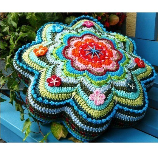 Crochet Star Shaped Pillow Pattern