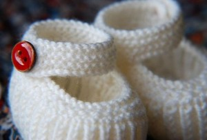knitted-baby-shoes