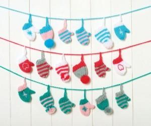 Festive Garland - Free Christmas Knitting Pattern