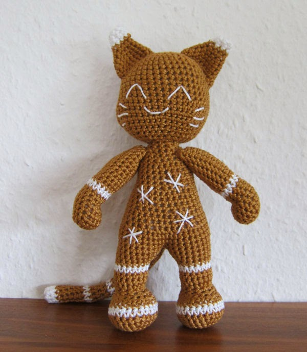 Ginger - The Gingerbread Cat free amigurumi pattern
