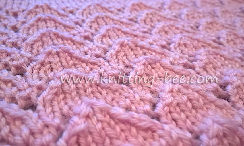 Lace-Chevron-free-Knitting-Stitch-by-Knitting-Bee-1