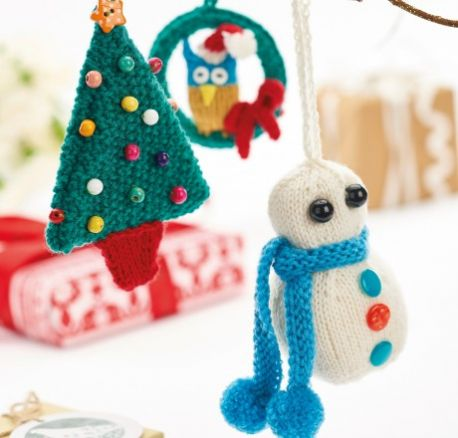 Quick-Knit Christmas Decorations for Snowman, Owl & Christmas Tree
