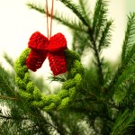 Wreath Christmas Tree Ornament - Free Knit Pattern