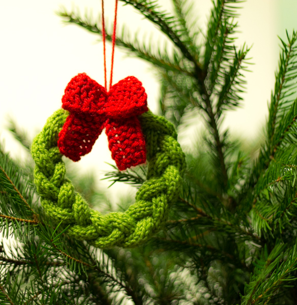 Free Knitting Patterns Mens Jumpers : 41 free knitting patterns tagged Free Christmas Tree Ornaments Knitting Patte...