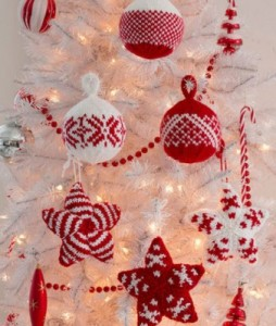knitted-christmas-ornament-pattern-338x400