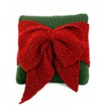Christmas Bow Pillow - Free Christmas Knitting Pattern