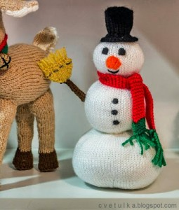 Frosty snowman free knitting pattern