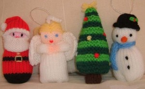 Over 50 free knitted christmas knitting patterns knitting bee christmas knitting patterns free dt1010fo