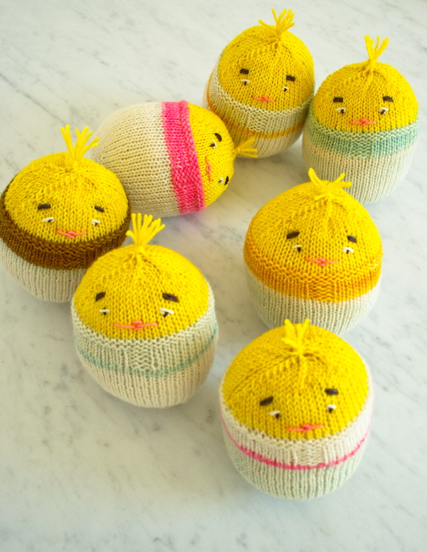 Knitting Easter Eggs : Over free easter knitting patterns bee