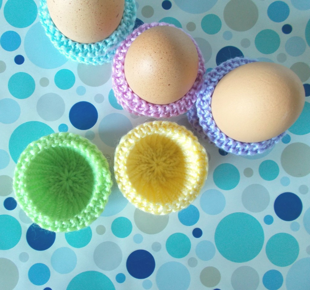 Hold the Eggs! Free Knitting Pattern ⋆ Knitting Bee