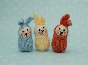 Bean bunnies free Easter knitting pattern