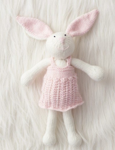 Rabbit Sweater Knitting Pattern : Patons zoe bunny free knitting pattern ⋆ bee