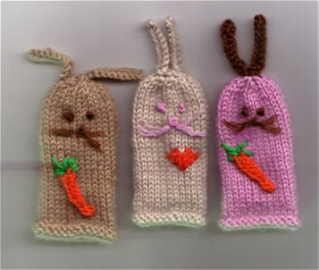 Rabbit Finger Puppets free knitting pattern for Easter